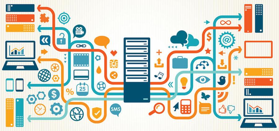 serveur entouré d'icônes représentant tous les services et applications du cloud