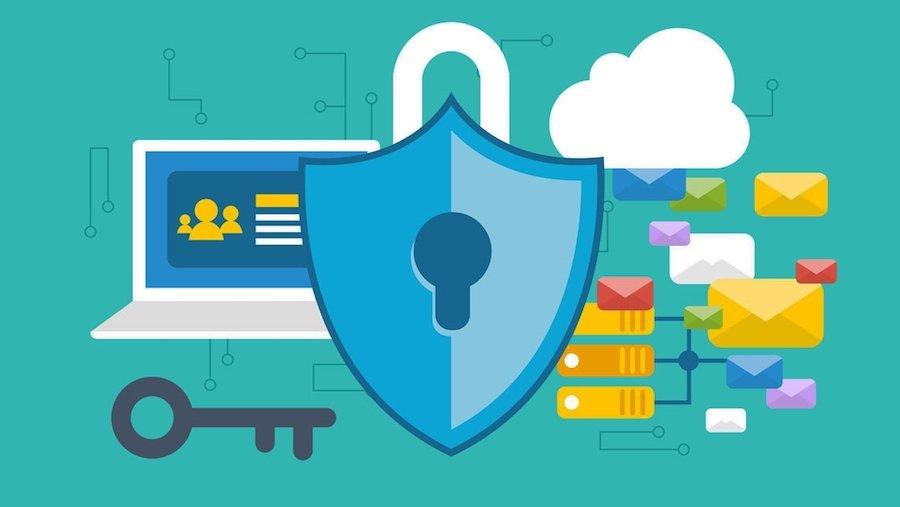 ordinateur, clé, serveur et cadenas représentant la sécurité du cloud